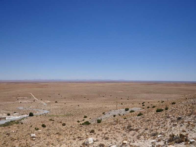 vista panoramica sul deserto al Meteor Crater in Arizona
